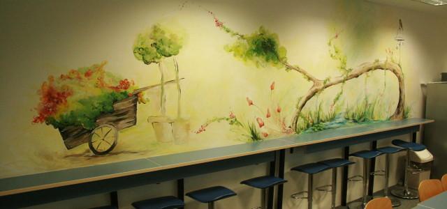 15 metri pătrați pictați, care au transformat spațiul dintr-o bucătărie banală, la CMED Group Timișoara, într-o oază de verdeață, care te duce cu gândul la poveste, magie și feerie. Un […]